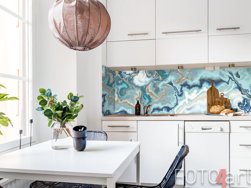 Glazen keukenachterwand met marmerprint